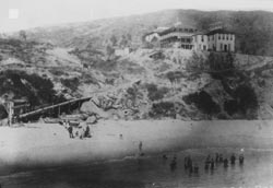 Arch Beach Hotel in the 1880's.